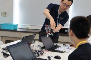 進学専攻ロボットプログラミングコース体験授業の様子